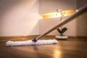 Come-pulire-un- Parquet-in- Rovere